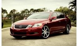 Lexus GS — седан бізнес-класу.